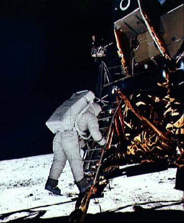 人类首次登月
